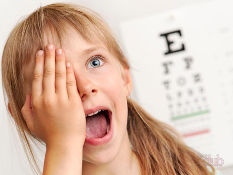 Зрение школьников планируют проверять на базе образовательных учреждений